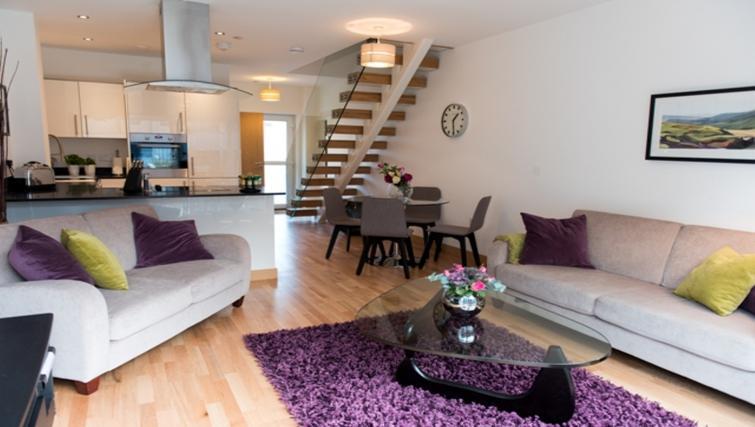 Living room at Flamsteed Close Apartments