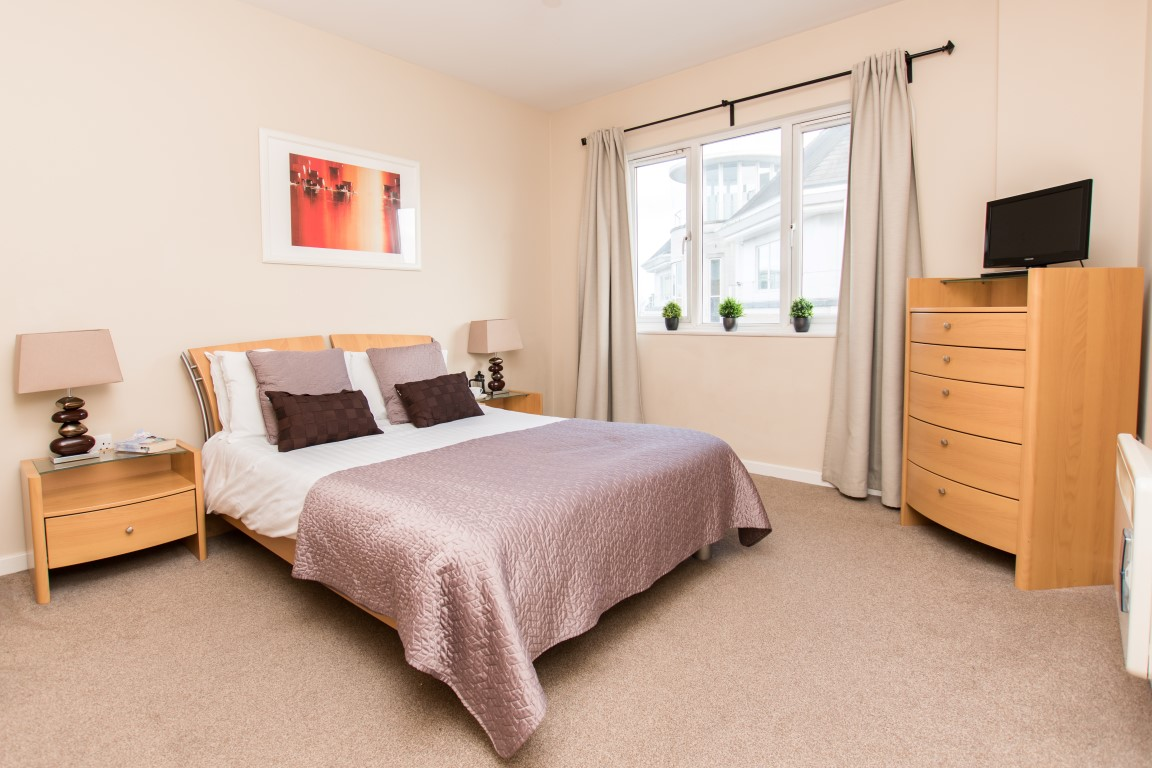 Bed at Robinson House Apartments, High Street, Crawley