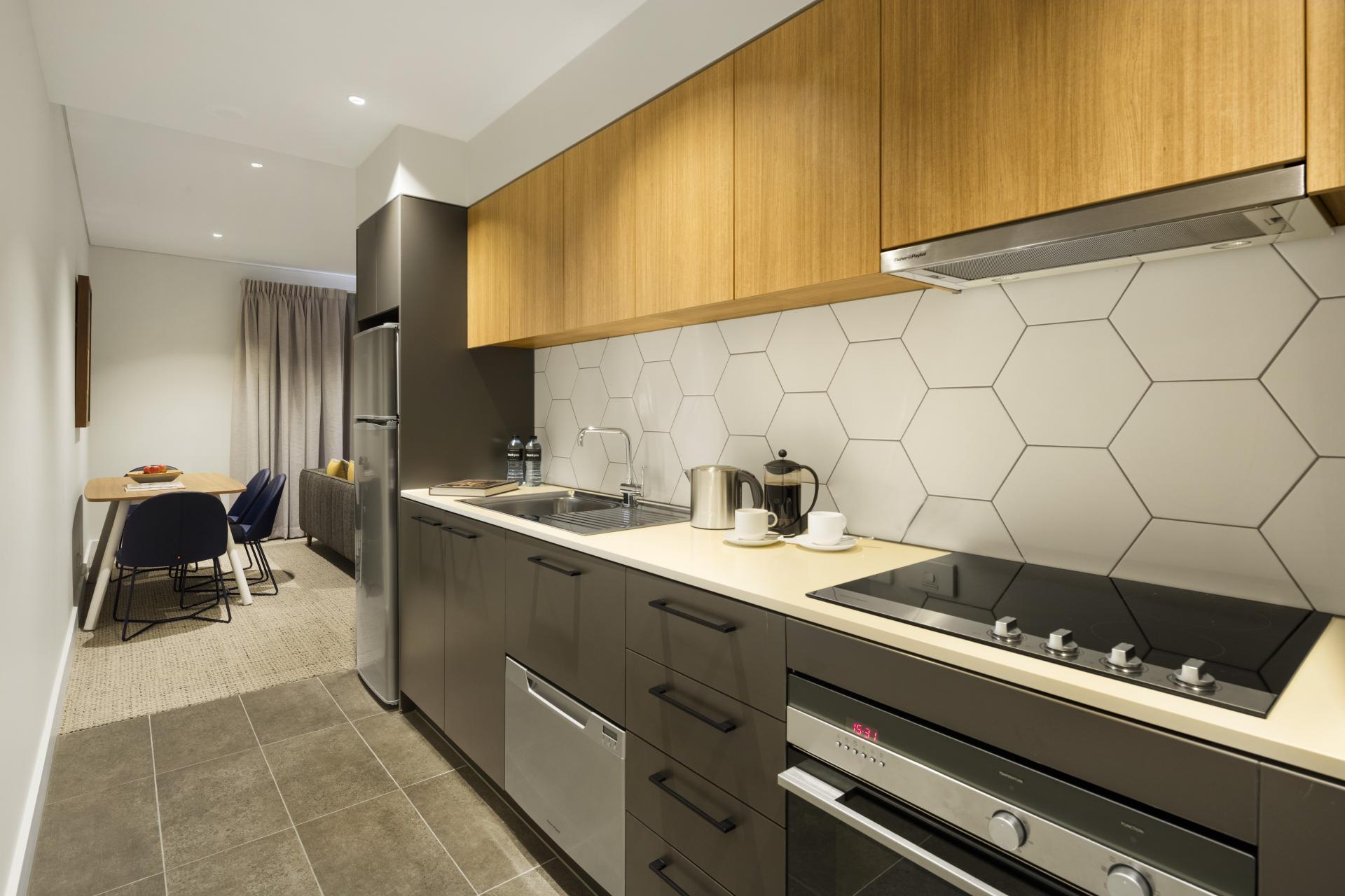 Port Adelaide Apartments - SilverDoor