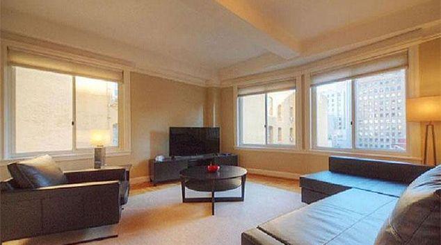 Living area at Nob Hill Court Apartments