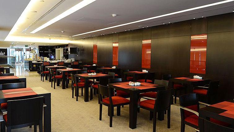 Dining area at Staybridge Suites Beirut