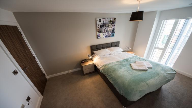 Double bed at Cambridge Street Apartments