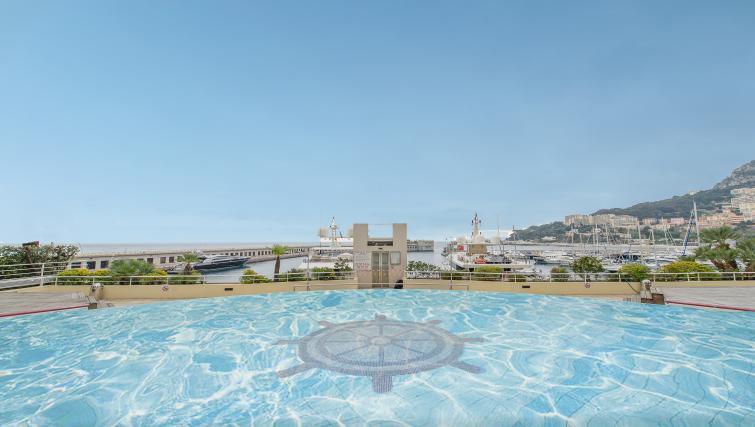 Swimming pool at Residence Le Quai des Princes
