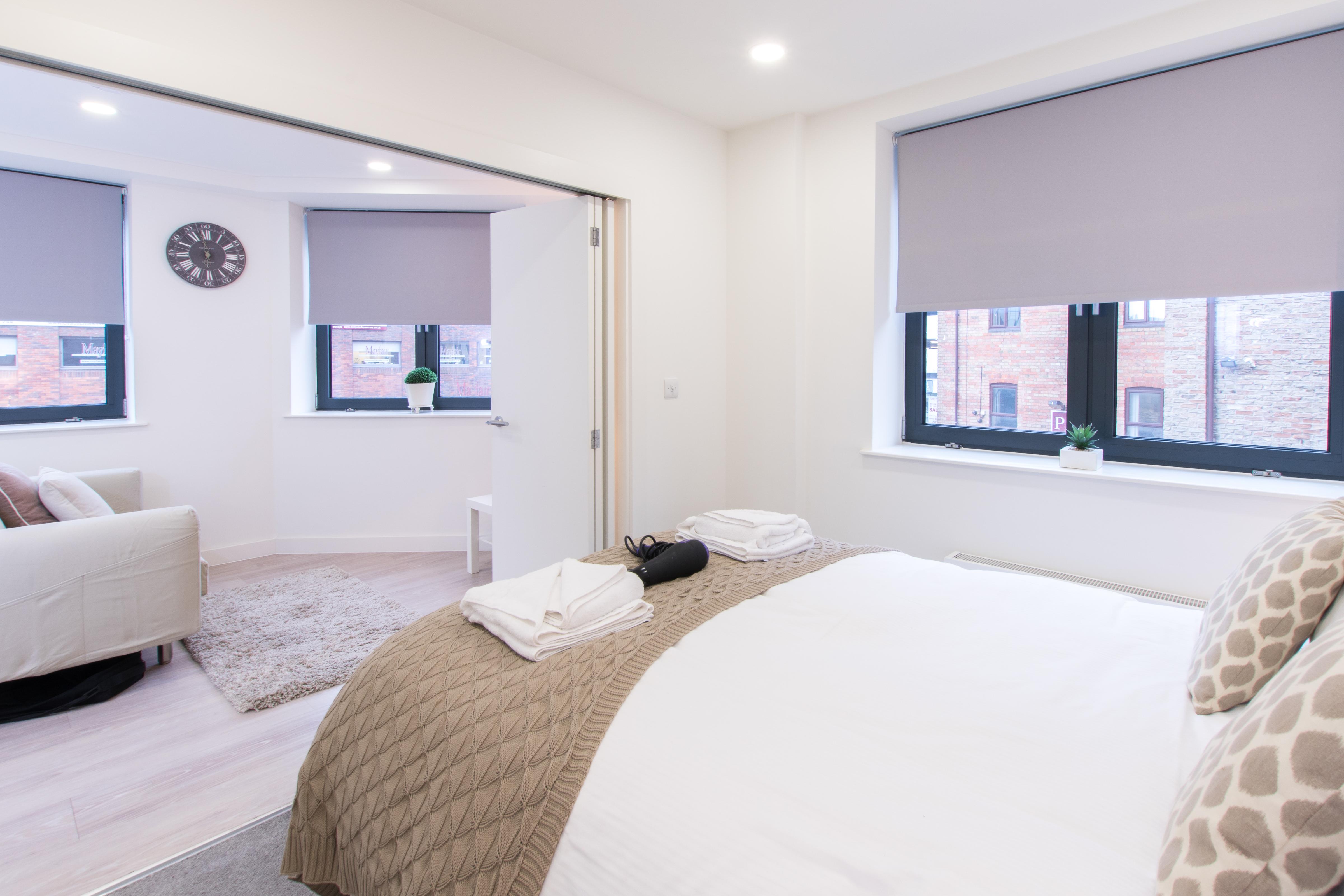 City Stay Apartments Platform - Bedford - SilverDoor