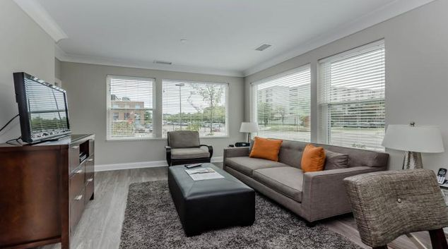 Living space at AMLI Deerfield Apartments