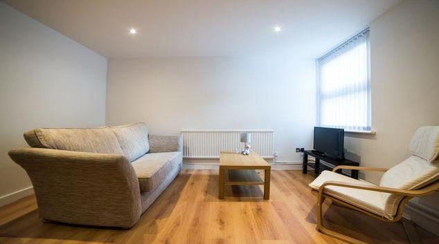 Living area at Keswick House Apartments