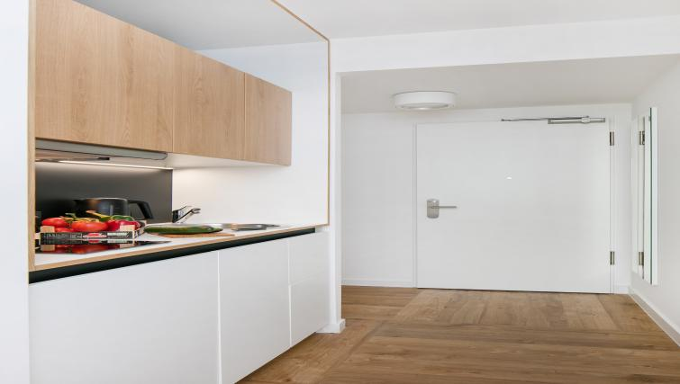 Studio kitchen at Smartments Berlin Prenzlauer Berg