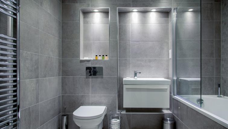 Pristine bathroom at The Bellerby Apartments