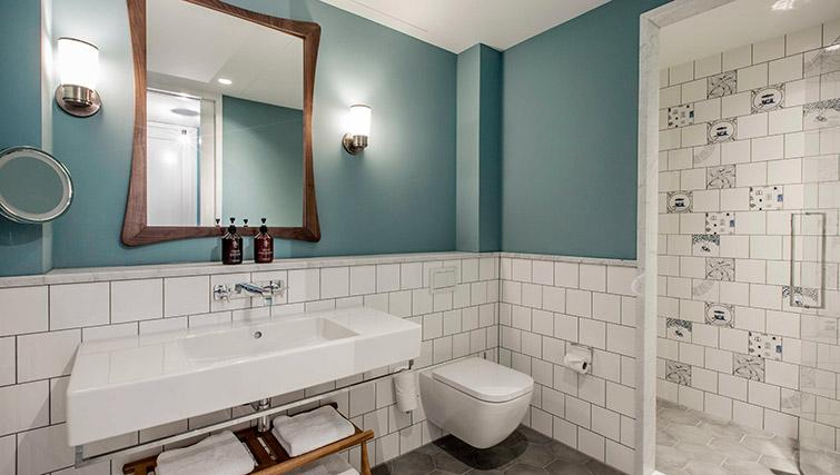 Pristine bathroom at Hotel Twenty Eight Apartments, Amsterdam