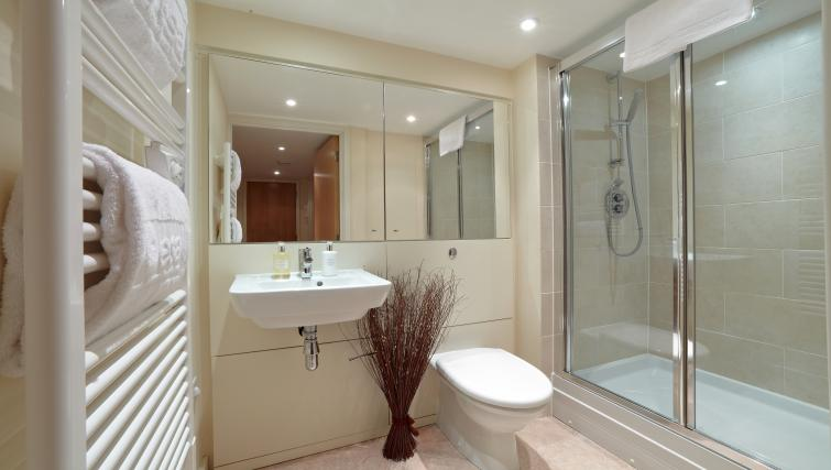 Shower at The Paramount Swindon Apartments