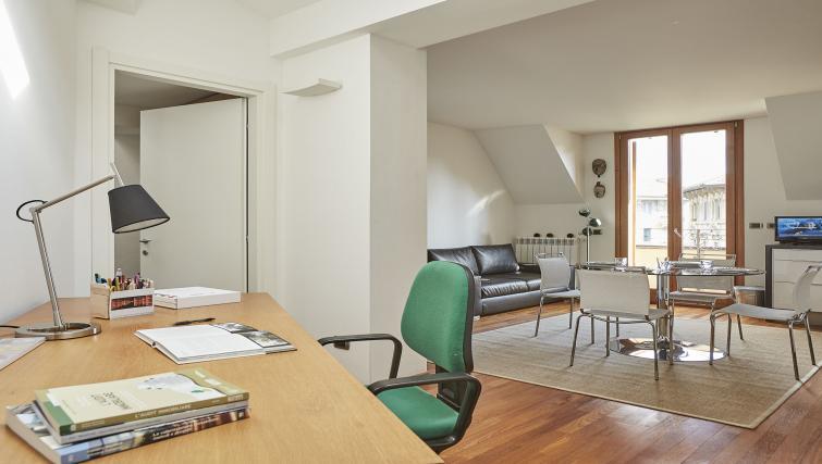 Work desk at Eustachi Apartment