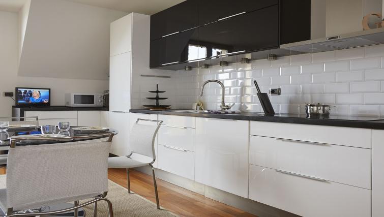 Basic kitchenette at Eustachi Apartment