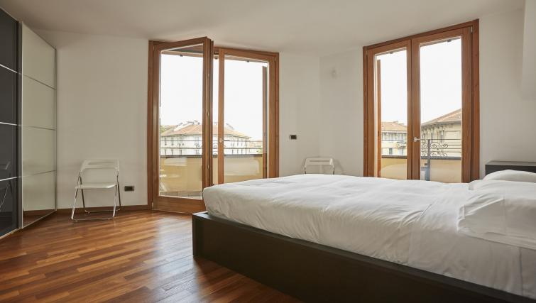 Double bed at Eustachi Apartment