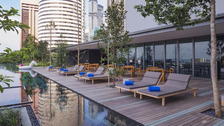 On-site restaurant at Oakwood Premier OUE Apartments, Singapore