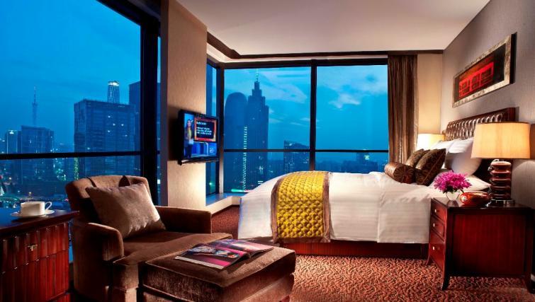 Master bedroom at Oakwood Premier Guangzhou