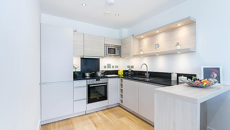 Equipped Kitchen At Urban Chic Portobello Apartments