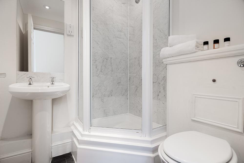 Bathroom at Creechurch Lane