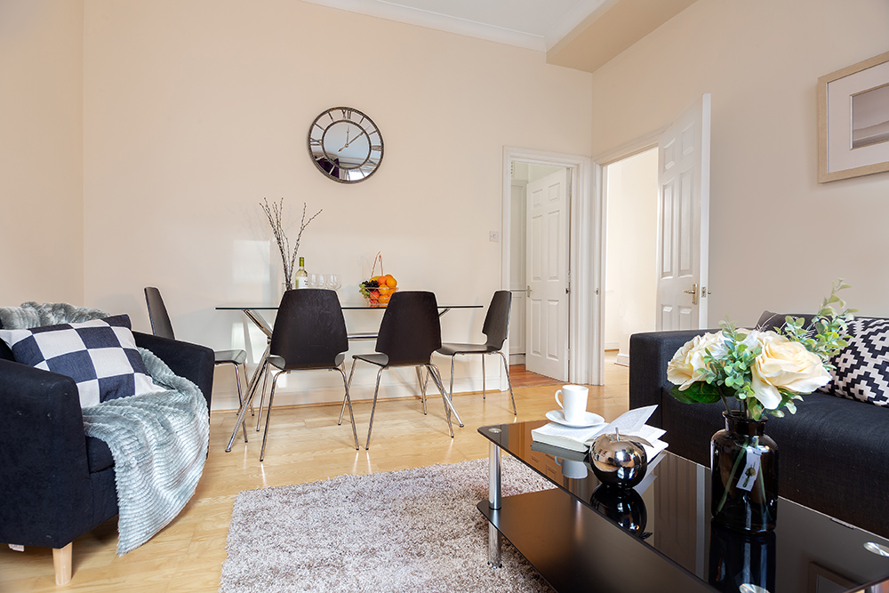 Spacious living area at Creechurch Lane